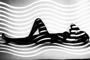 434 Emeline Larher - Femme dans les vagues