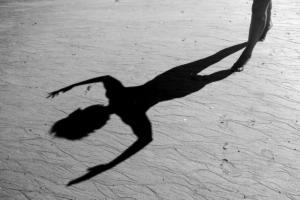 067 Sarah Cleon - L'ombre qui danse